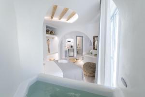 A bathroom at Mystique of Naxos