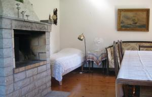 Säng eller sängar i ett rum på Holiday home Visby 20