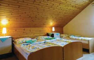 Cama ou camas em um quarto em Apartment Zirovnica I