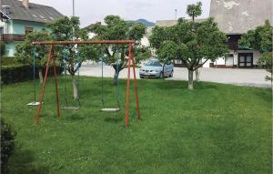 Parquinho infantil em Apartment Zirovnica I