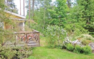 En trädgård utanför Holiday home Tegelbruksvägen Oxelösund