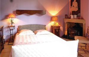 Un ou plusieurs lits dans un hébergement de l'établissement Three-Bedroom Holiday Home in Courcelles sur Blaise