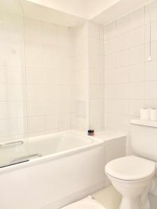 A bathroom at Primestate Holborn Apartments