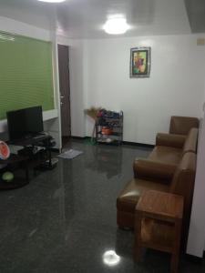A seating area at Davimar House