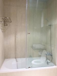 A bathroom at Tripporo