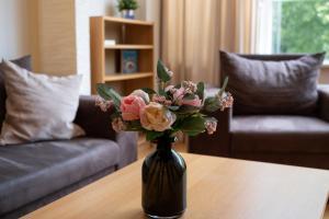 พื้นที่นั่งเล่นของ Dream Stay - Cozy open bedroom apartment near Noblessner