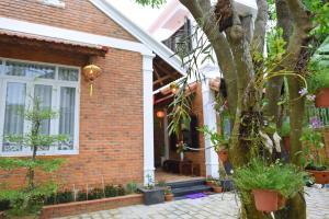 Dang Khoa's House