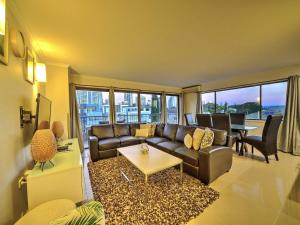 A seating area at 2 Level Penthouse on Paradise Island