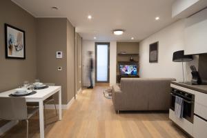 Zona d'estar a Mirabilis Apartments - Bayham Street
