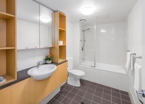 A bathroom at FV4006 Apartments