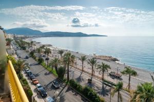 A bird's-eye view of Best View Promenade Des Anglais