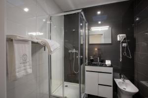 Um banheiro em Aveiro´s Dock Apartments