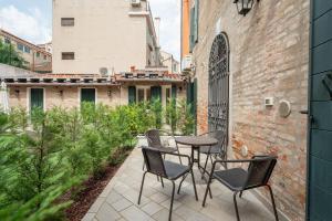 A balcony or terrace at Corte dei Santi