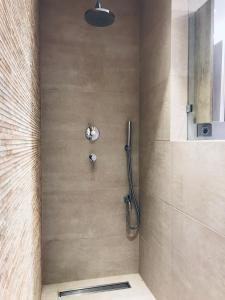 A bathroom at Luxury & Stylish Family Apartment