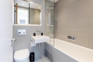 A bathroom at LCS Shoreditch Apartments