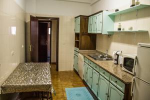 A kitchen or kitchenette at Quinta Do Meira