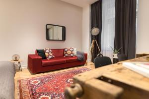 A seating area at TG Design Suites Aparthotel Budapest