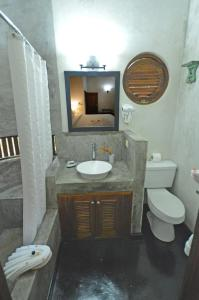 A bathroom at Villas Sur Mer