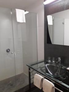 A bathroom at Regency Rambla Design Apart Hotel