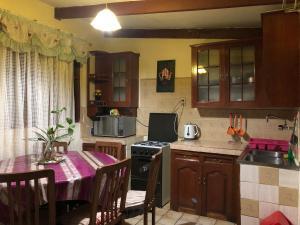 Una cocina o zona de cocina en The Wasi