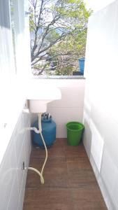 Un baño de FLORIPA FLORINDO APART