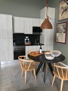 A kitchen or kitchenette at Vinhas do Calhau