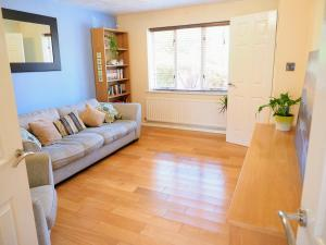 A seating area at Beautiful 3-bed house close to Central Manchester