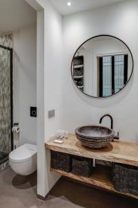 A bathroom at Splendido monolocale nel cuore di Brera