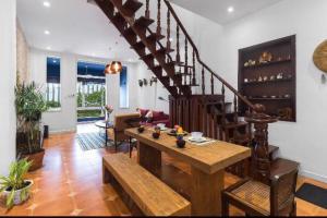 SGN Living- 2BR Apartment Steps to TAKASHIMAYA