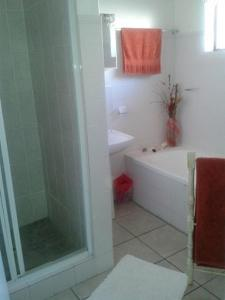 A bathroom at Perazim