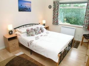 Una cama o camas en una habitación de Chy-An-Ula - W42461