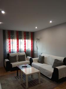 Apartamento amplio y luminoso tesisinde bir oturma alanı