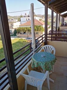 A balcony or terrace at John Apartments