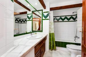 A bathroom at Apartment Aldea