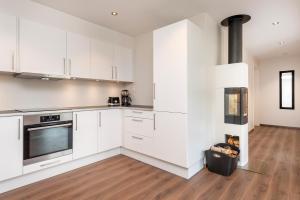 Kjøkken eller kjøkkenkrok på Lysgården på Eventyrlige Skaret, Molde