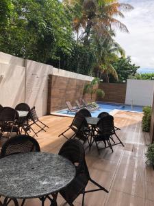 A piscina localizada em Veranno Di Porto-50mts Piscinas Naturais ou nos arredores
