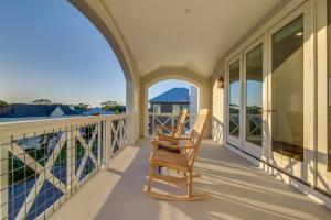 A balcony or terrace at Seahorse Villa