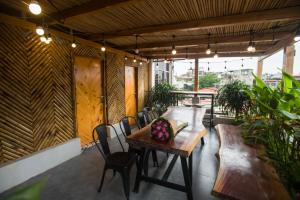 Duplex 2 BR in the HEART of Old Quarter
