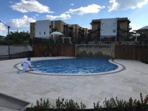 Apartasol Quindío, cerca al aeropuerto El Edén游泳池或附近泳池
