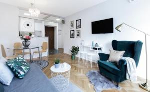 Część wypoczynkowa w obiekcie Warsawrent Apartamenty Centralna