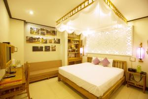 Vinh Hưng Library Hotel