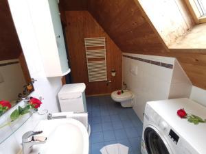 Ein Badezimmer in der Unterkunft City Ferienwohnung Füssen 1