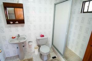 Um banheiro em Hare Paoa