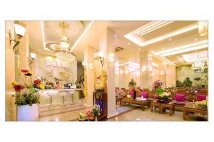 Tiến Thịnh Hotel