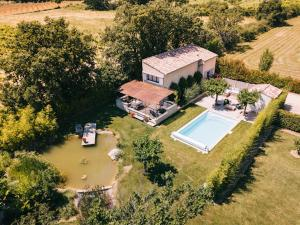 A bird's-eye view of L'ancien poulailler- The Old Hen House