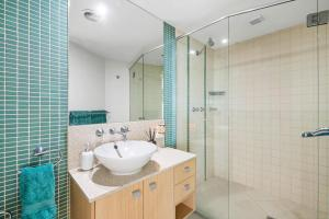 A bathroom at Sanctuary at the Sebel - Penthouse with private Rooftop Lounge