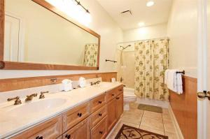 A bathroom at Emerald Dunes #602