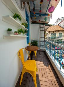 4beds with balcony 100m to Hanoi Train Station