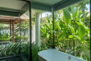 A bathroom at Kayumanis Nusa Dua Private Villa & Spa