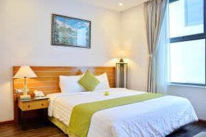 Hang Sand Masion Beach Hotel